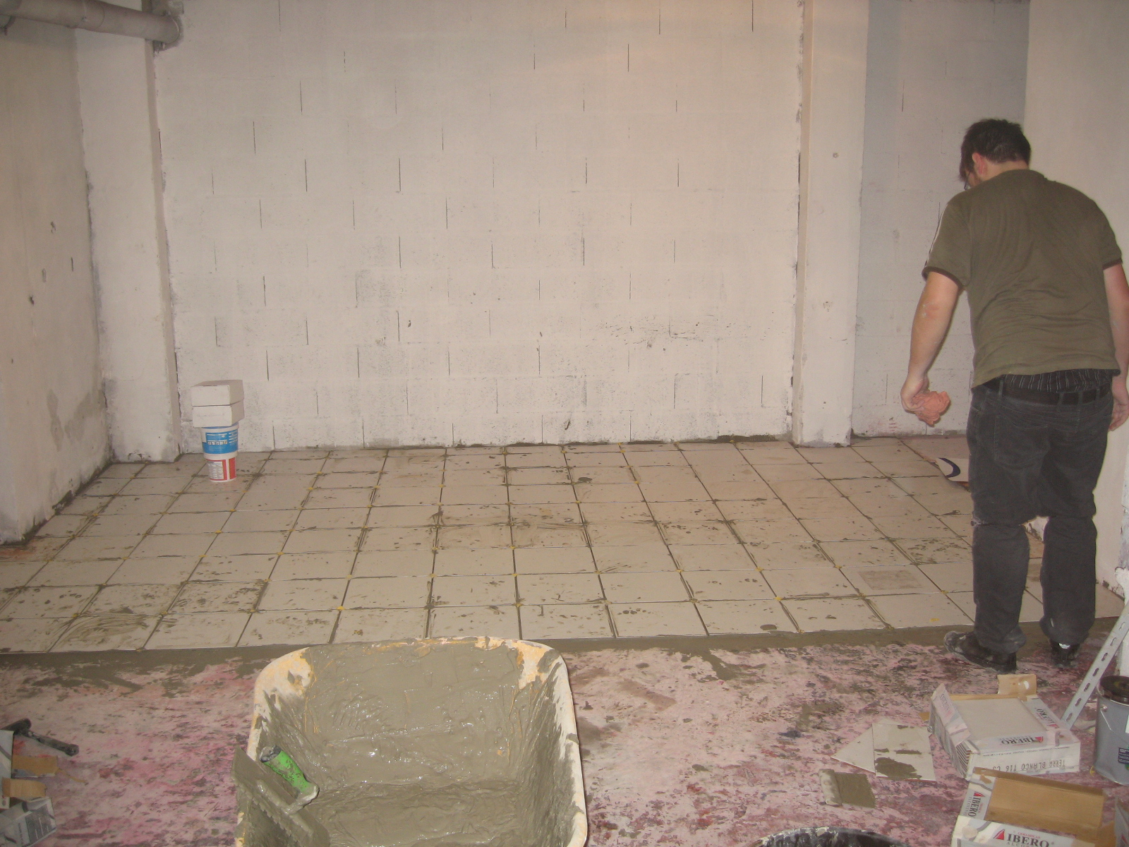 Carrelage Sol Moche Que Faire new room's floor almost done ! « electrolab