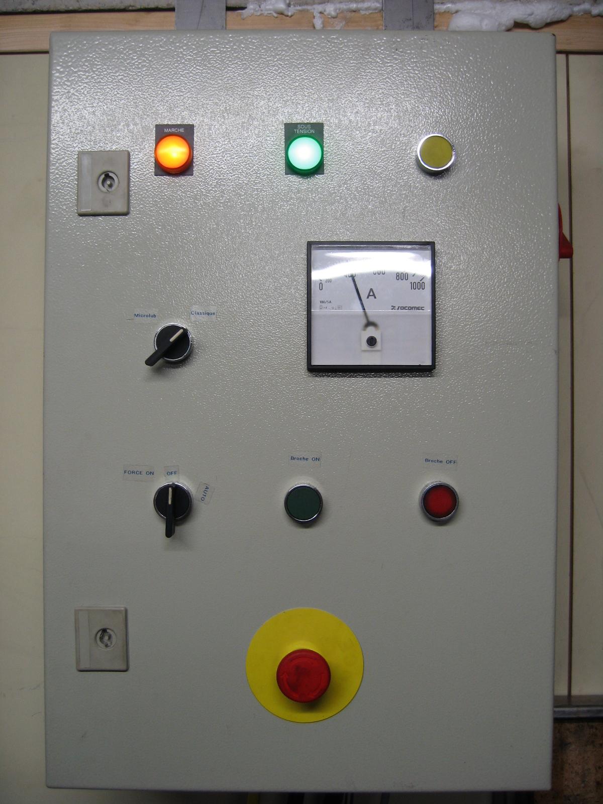 Electrolab hackerspace fablab in nanterre page 12 - Montage armoire electrique industriel ...