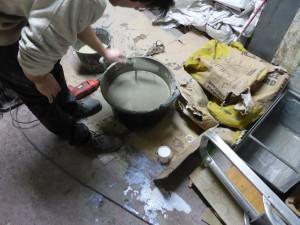 Régréage zone workshop : vérification de la fluidité du mélange